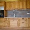 le banc fustier : Habillage cuisine en hêtre huile et teinte chêne doré