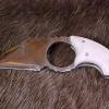 Le banc fustier : Griffe avec double tranchant en 440A1 plaquettes bois de renne