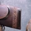 Le banc fustier : Crosse avec bandeau edelweiss
