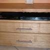 le banc fustier : Détail tiroirs meuble de salon en châtaignier huile