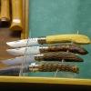 Le banc fustier : Présentoir avec opinels sculptés